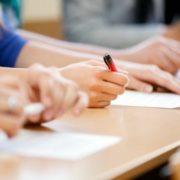 Семеро випускників прикарпатських шкіл отримали по 200 балів на ЗНО з англійської, з української – один