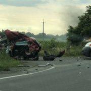 """Жахлива аварія на Закарпатті: фура """"розтрощила"""" Mazda, загинув тренер з дітьми (фото/відео)"""