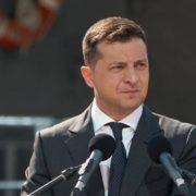Зеленський пообіцяв допомогу всім населеним пунктам, які постраждали від пожеж та повеней