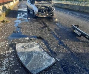 На Калущині автівка влетіла у відбійники на мості. Водій у лікарні