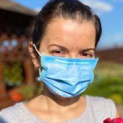 Відома українська телеведуча розповіла, як захворіла коронавірусом з дітьми та чим лікувалася