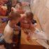 Матір покинула трьох маленьких синів голодними і поїхала в інше місто