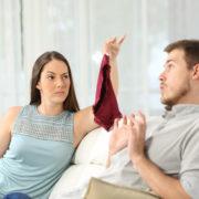 Чому пари зраджують: секс-експерт розповіла про поліаморію