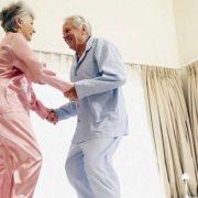 Франківці, які дожили до 90 та більше років, отримають по три тисячі гривень