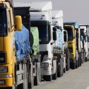 На кордоні з Польщею утворилася велика черга з вантажівок