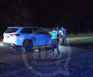 Неподалік Івано-Франківська авто збило пішохода насмерть