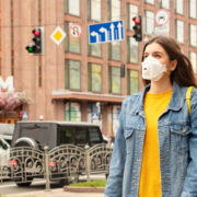 Без грошей та їжі: 19 українців хворих на коронавірус застрягли у Польщі