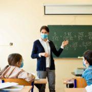 Обов'язкового закриття на карантин шкіл і дитячих садів тепер не буде: Степанов пояснив, як будуть працювати школи при суворому карантині