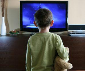Вчені довели, що перегляд дитиною телевізора протягом 2 годин, дорівнює втраті навчання 4 місяців