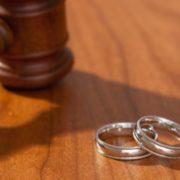 У світі через пандемію зросли кількість розлучень та продажі вживаних обручок