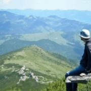У горах Прикарпаття травмувався турист зі Львова. Його цілу ніч зносили до підніжжя (ФОТО)
