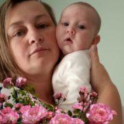 """""""Не хотіла йти в лікарню, а легені були вже на 90% уражені"""": через коронавірус померла молода мама"""