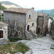 Італійське село пропонує гроші за переїзд на постійне місце проживання