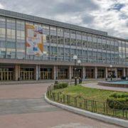 У Зеленського готують екстрені заходи: Палац спорту під госпіталь і 5000 гривень штрафу через маски