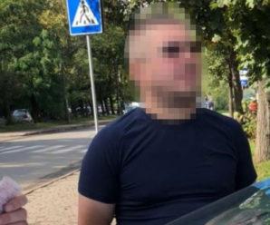 У Франківську водій погрожував пістолетом чоловікові через зауваження