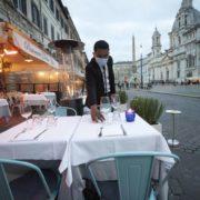 В Італії нові обмеження: ресторани і бари закриватимуть о 18:00