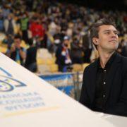 Мурашки по шкірі: Євген Хмара вразив потужним виконанням гімну України перед футболом