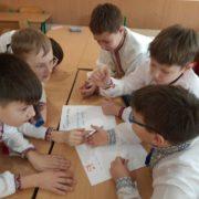 """""""Вчителі у школах мають спілкуватися українською"""": науковиця розповіла як викорінити російську мову"""