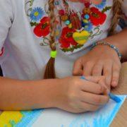 В Одесі вчителька насварила дівчинку, бо та відповіла їй українською. Відео