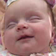 Життя маленької українки повисло на волосині, батьки благають про допомогу: «Врятуйте нашу Вікусю»