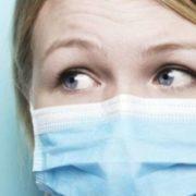 Випадання волосся, кон'юнктивіт, головний біль… Вчені назвали вісім несподіваних симптомів коронавірусу