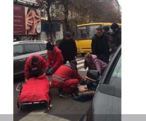 У центрі Франківська на пішохідному переході збили дівчину