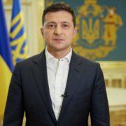 Зеленський пообіцяв податкові канікули для підприємців: виплатять по 8 тисяч гривень