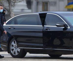 Супроводжують десять охоронців: дружина Зеленського їздить на броньованому Mercedes зі швидкістю 114 км/год (фото, відео)