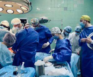 Загиблий українець врятував життя чотирьох людей: його нирку вперше в Україні пересадили дитині