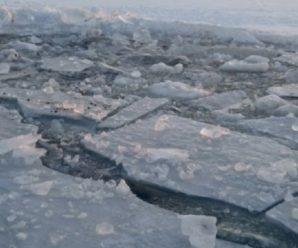 На річці троє людей провалилися під лід: чоловіки перед смертю героїчно врятували дитину
