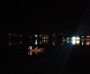 У Франківську на міському озері шукають людину