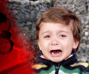 На Франківщині чоловік дуже сильно побив 4-річного хлопчика, щоб не заважав п'яній вечірці з інтимом (відео)