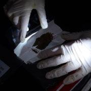 Франківські патрульні виявили наркотики у перехожих та водія (ФОТО)