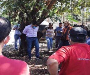 У Мексиці мера міста прив'язали до дерева за невиконання передвиборчих обіцянок