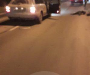 Смерть на дорозі. В Івано-Франківську легковик на смерть збив жінку