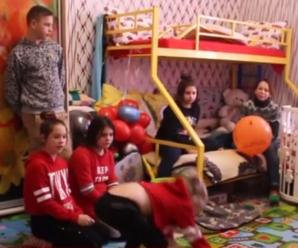 Франківка Олена Кузьменко самостійно виховує 17 дітей