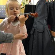 """Допоможіть родині, поставте """"+"""", або зробіть хоча би репост Маленька Софійка потребує негайної допомоги: око дитини """"з'їдає"""" онкологія"""