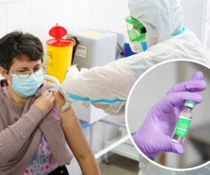 Глава МОЗ повідомив, що люди можуть відчувати побічні ефекти після вакцинації від коронавірусу