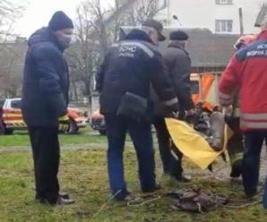 У Калуші жінка понад добу провела затисненою у колекторі теплотраси (відео)