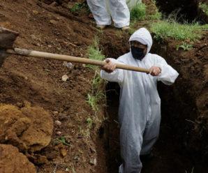 У Франківську ритуальна служба залучила дві додаткові бригади для копання могил (ФОТО)