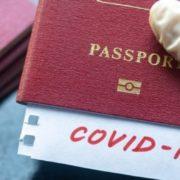 """В Чехії планують з травня запровадити """"паспорти вакцинації"""": що це означає для тих хто перетинає кордон"""