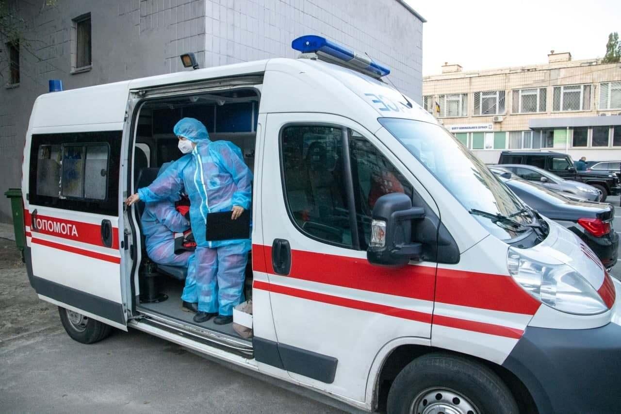 Швидка доправила дитину до лікарні у важкому стані