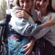 Молодій прикарпатці, яка не може ходити та живе у скруті, потрібна допомога (РЕКВІЗИТИ)