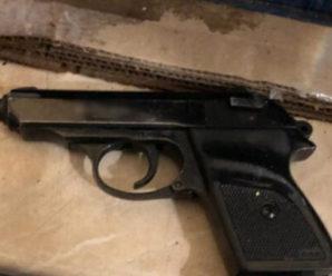 «Пристрелю на місці»: батько пацієнтки, що розплакалась, приставив пістолет до скроні лікаря