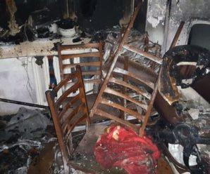 У багатодітній сім'ї трапилася пожежа: маму з малесенькими дітьми забрала швидка (ФОТО)