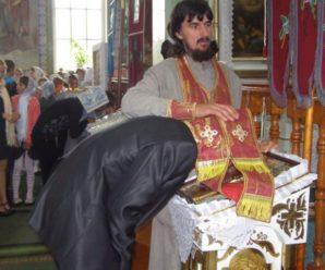 Втомився імітувати сповідь: Священик емоційно звернувся до вірян