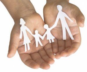 Українців зобов'яжуть забезпечувати немічних батьків: про що йде мова