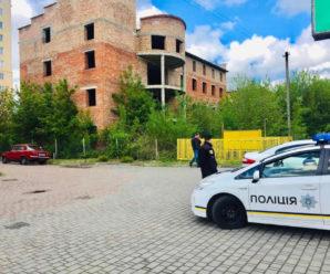 В Івано-Франківську у шахті ліфта знайшли тіла чоловіків (ФОТО)