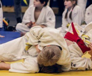 """Він кричав """"моя голова"""", а тренер продовжував: 7-річну дитину побили до стану коми на уроці з дзюдо"""