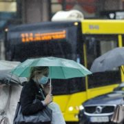 Холодно і з дощем: в Україні різко погіршиться погода